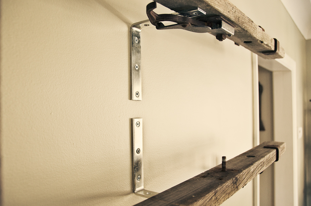 Cheap diy antique ladder shelf for Inexpensive shelving